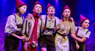 "Fotos fra Eventyrteatrets familiemusical ""Julehjertet"" i Glassalen"