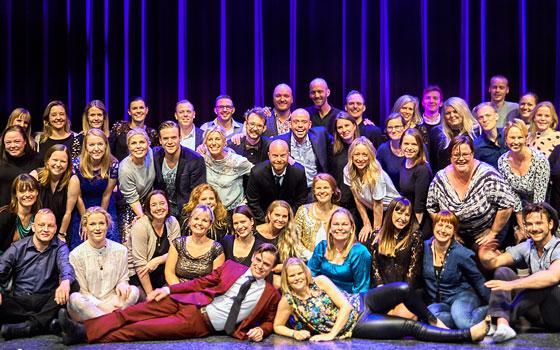 De første elever på Eventyrteatret til teatrets 25 års jubilæumsfest i Cirkusbygningen, oktober 2016