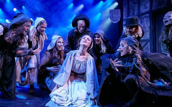 """Fra Eventryteatrets musical """"kongen og Tiggertøsen"""" 2017 i Tivolis Glassal - foto: Ole Mortensen"""