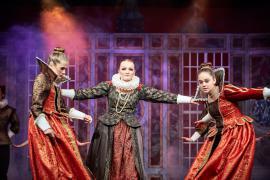 """Fra Eventyrteatrets familiemusical """"Kongen og Tiggertøsen"""", oktober 2017 Glassalen i Tivoli - prinsesser - musical teater"""