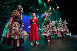 Fra Eventyrteatrets familiemusical Skovens Dronning, oktober 2019, Glassalen i Tivoli - Eventyrteatret i Glassalen - Prinsesse Margrete hos gnomerne - teater, børneteater, musical