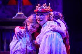 Fra Eventyrteatrets familiemusical Skovens Dronning, oktober 2019, Glassalen i Tivoli - Dronning Margrete og børn - teater, børneteater, musical