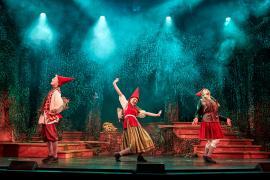 "Fra Eventyrteatrets julemusical ""Nissepatruljen"", november-december 2019 i Glassalen i Tivoli"