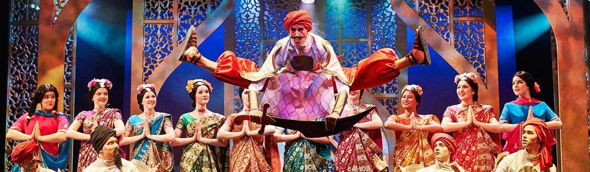 """Fra Eventyrteatrets musical """"De vises sten"""" 2014 - foto: Ole Mortensen"""