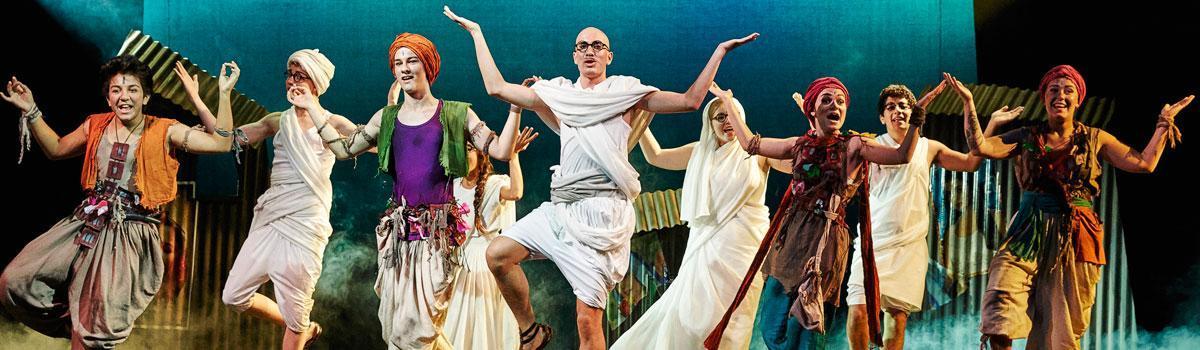 """Fra Eventyrteatrets musical """"De vise sten"""" 2014 - foto: Ole Mortensen"""