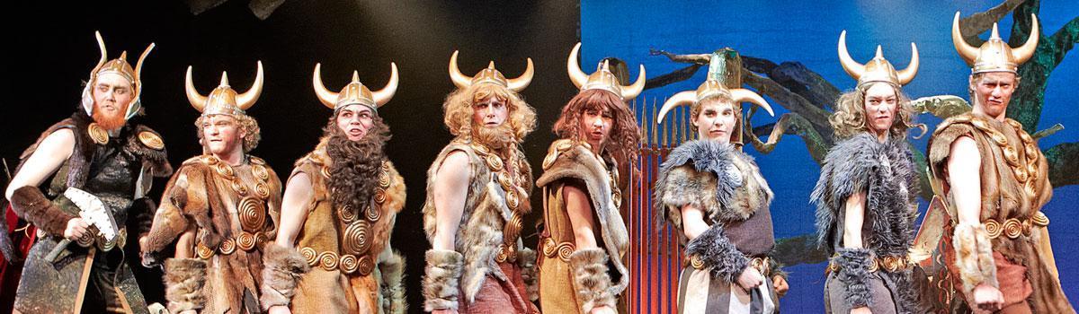 """Fra Eventyrteatrets musical """"Valhal 2012 - foto: Ole Mortensen"""
